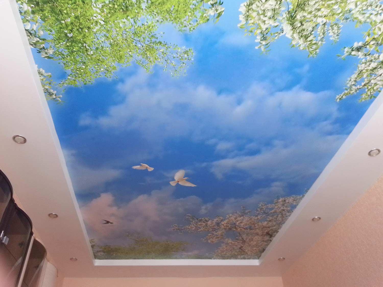 Установка глянцевых потолков