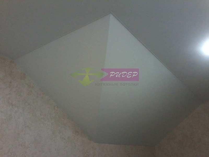 Услуги по установке натяжных потолков в мансарде