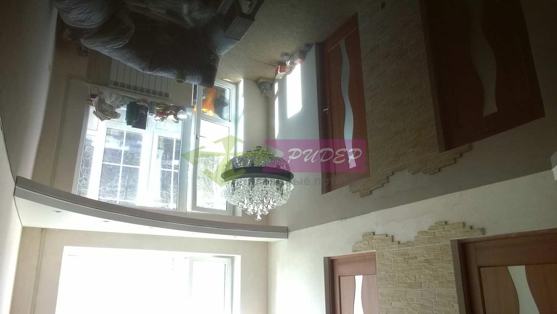 Глянцевый натяжной потолок с установкой в Калининграде
