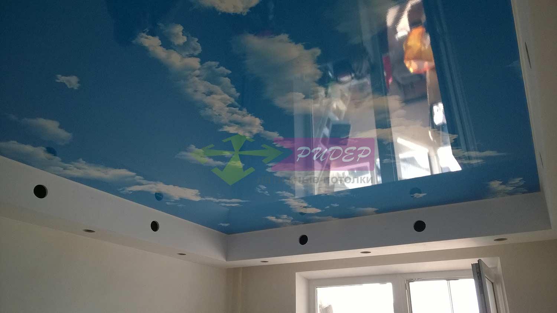 Купить глянцевый натяжной потолок