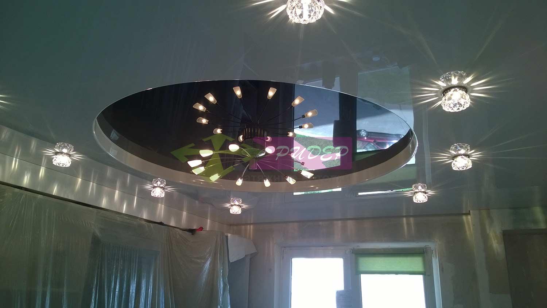 Глянцевый натяжной потолок в квартиру по недорогой цене