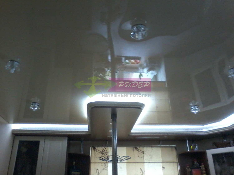 Натяжной глянцевый потолок и его монтаж