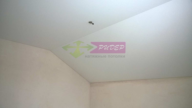 Натяжные потолки в мансарде по ул. Яблочная