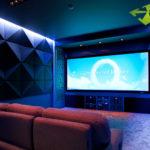 Преимущества использования акустических натяжных потолков
