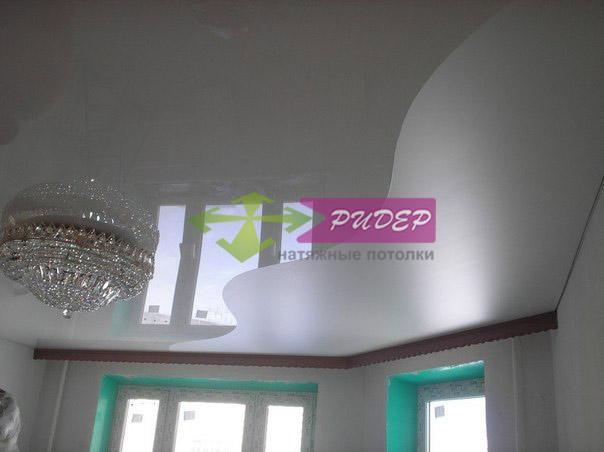 Комбинация цветов натяжного потолка в Калининграде, улица Полоцкая