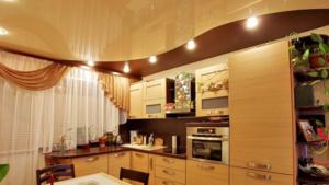 Стоит ли устанавливать натяжной потолок на кухне