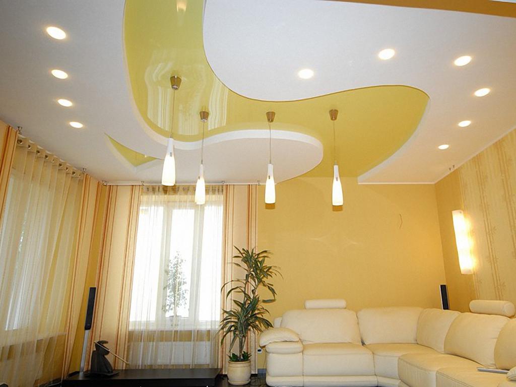 Установка натяжных потолков в квартире