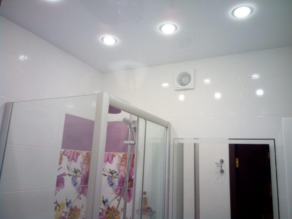 Требования к отделочным материалам в ванную комнату