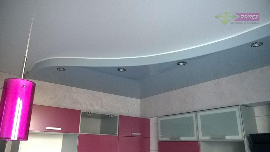 Цветные натяжные потолки в Калининграде