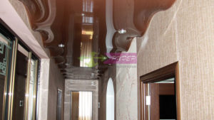 Натяжные потолки в коридоре с установкой